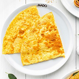 Omelet with Kashar Cheese